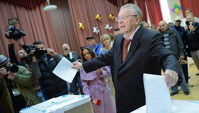 Владимир Жириновский проголосовал навыборах вДуму