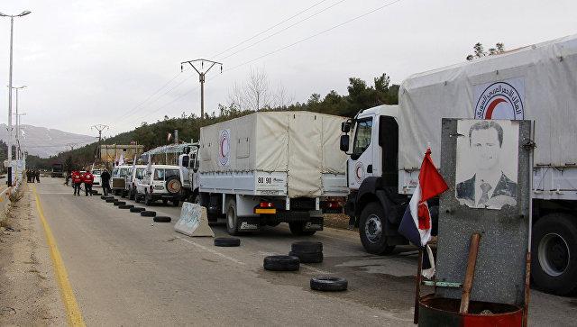 Конвой с грузом гуманитарной помощи в Сирии