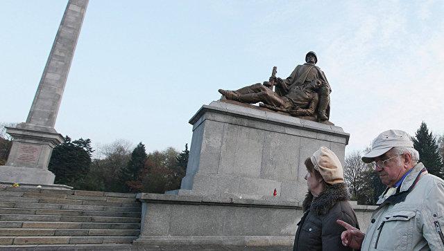 Памятник воинам Красной Армии в Варшаве. Архивное фото