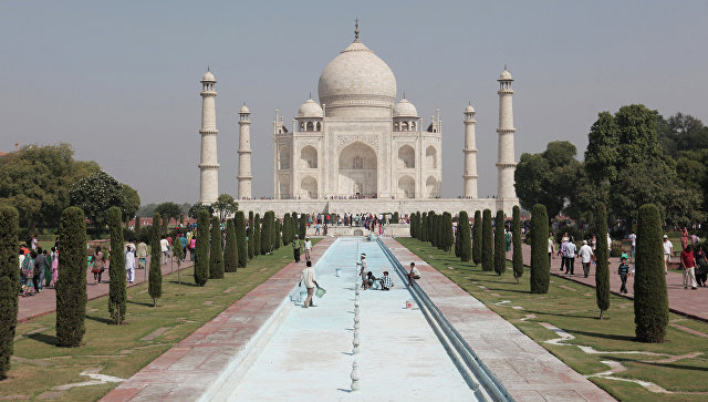 Amazon убрал изпродажи коврик ввиде индийского флага после угроз Индии