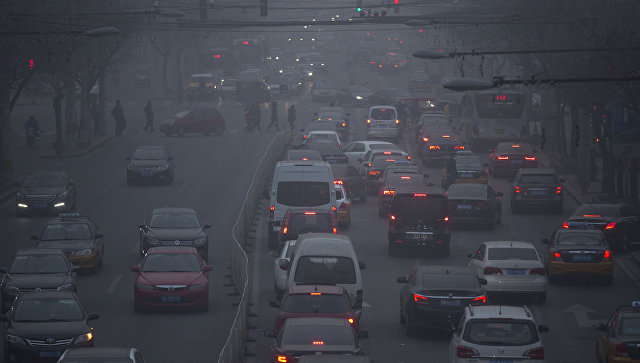 Встолице Китая объявлен «желтый» уровень опасности из-за смога
