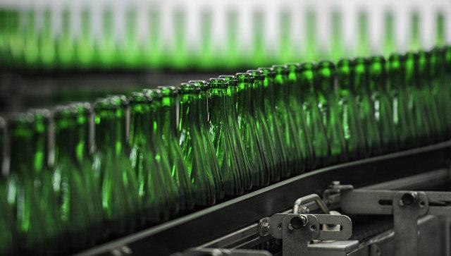 Производство алкоголя. Архивное фото