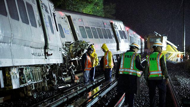 ВНью-Йорке сошел срельсов пассажирский поезд, пострадали десятки человек