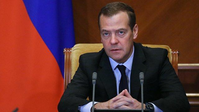 Настроительство школ вРФ нужно не менее 25 млрд руб. — Медведев
