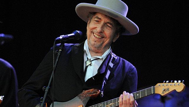 Электрогитару, на которой играл Боб Дилан, продали в США за $490 тысяч