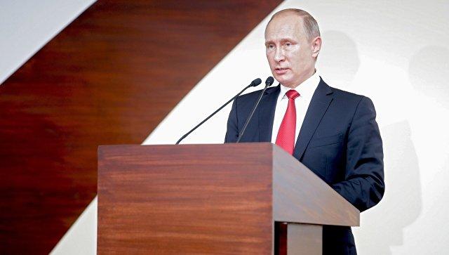 Президент РФ Владимир Путин во время совместного заявления для прессы по итогам российско-индийских переговоров в индийском штате Гоа. Октябрь 2016