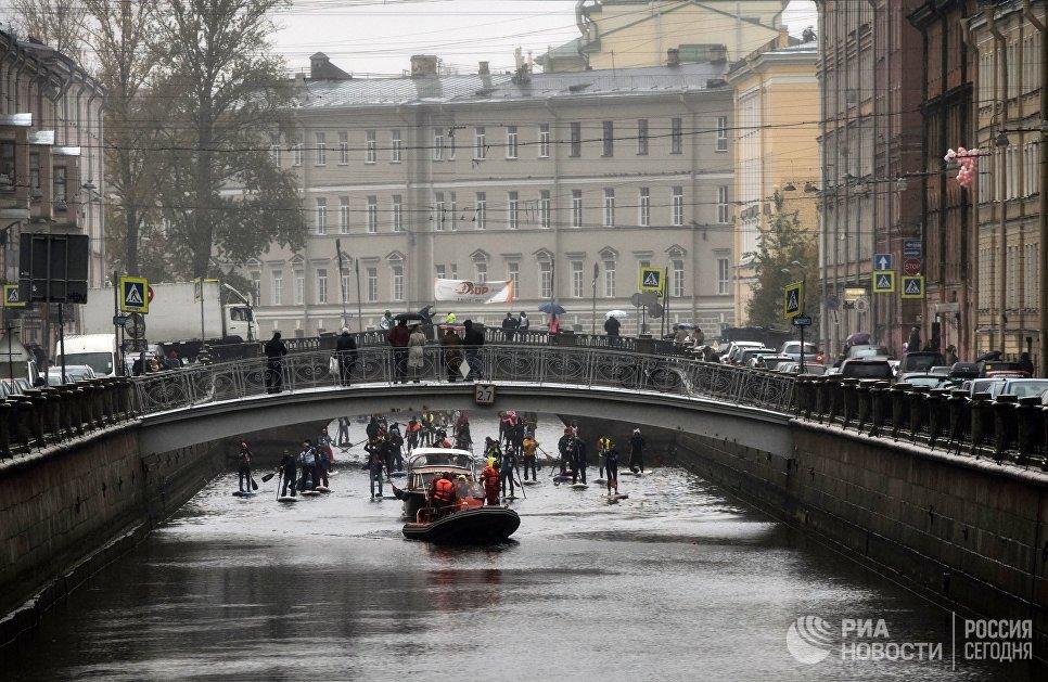 Фестиваль SUP-серфинг по каналам Санкт-Петербурга