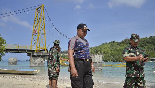 Поменьшей мере 21 человека погибли в итоге крушения судна вИндонезии
