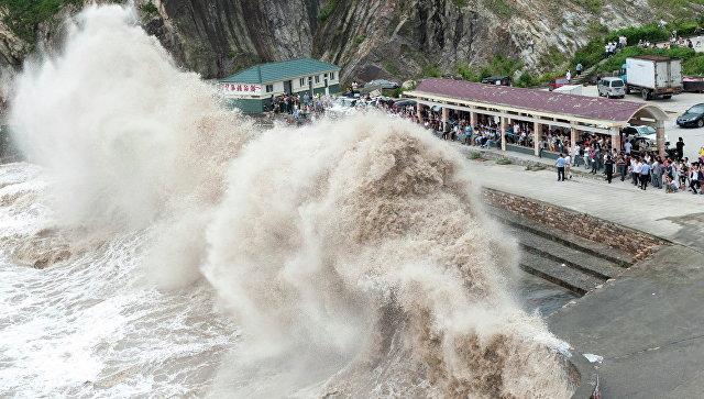 Около 250 рейсов отменили в«Поднебесной» из-за тайфуна «Сарика»