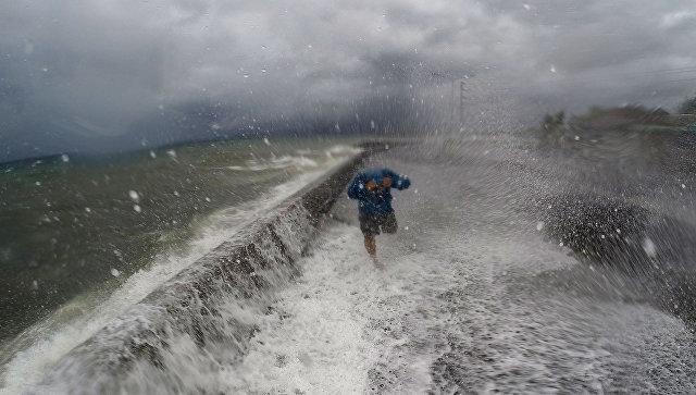 НаФилиппинах из-за тайфуна объявлено штормовое предупреждение