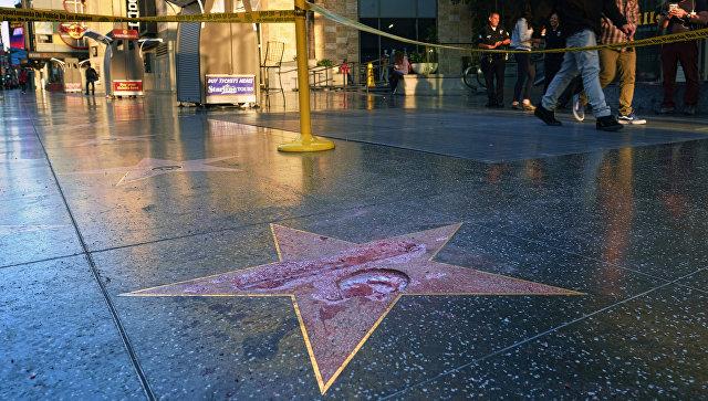 Звезду Трампа вГолливуде будет круглые сутки охранять милиция