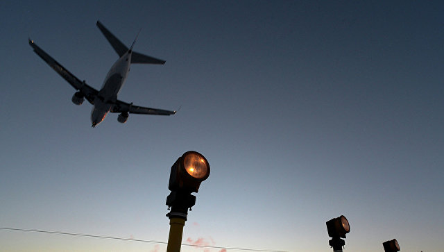 Ваэропорту Флориды зажегся грузовой самолет
