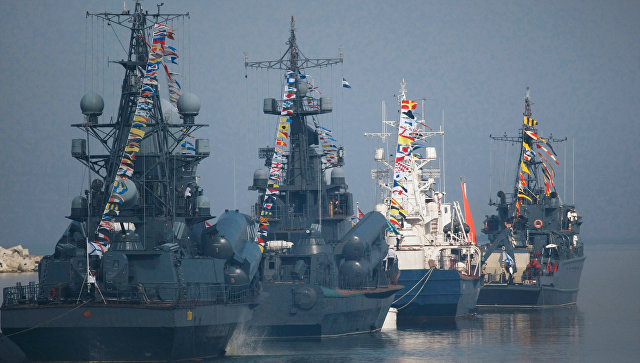 Санкт-Петербург празднует 320-летие русского флота