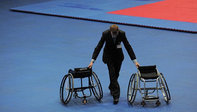 Спортивный зал, инвалидные коляски. Архивное фото.