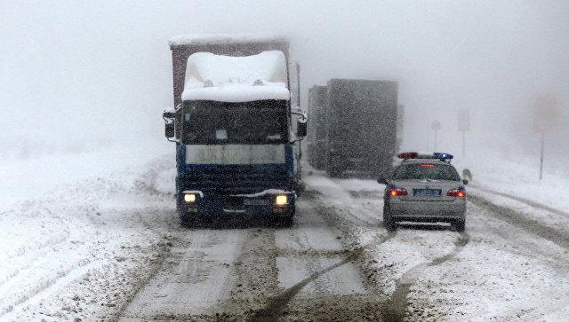 Транскавказскую магистраль открыли для движения после сильного снегопада