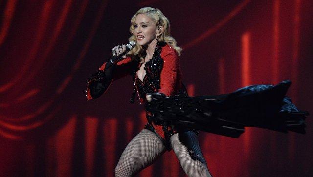 Мадонна открестилась отпропаганды насилия намарше против Трампа