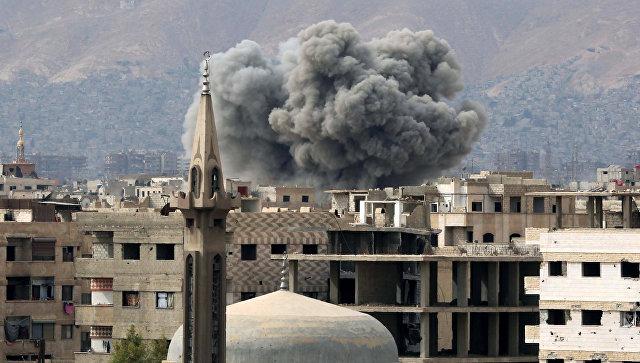 Авиаудар по пригороду Дамаска. Архивное фото