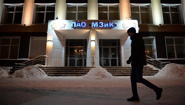Центральный вход машиностроительного завода имени М.И. Калинина в Екатеринбурге. 9 ноября 2016