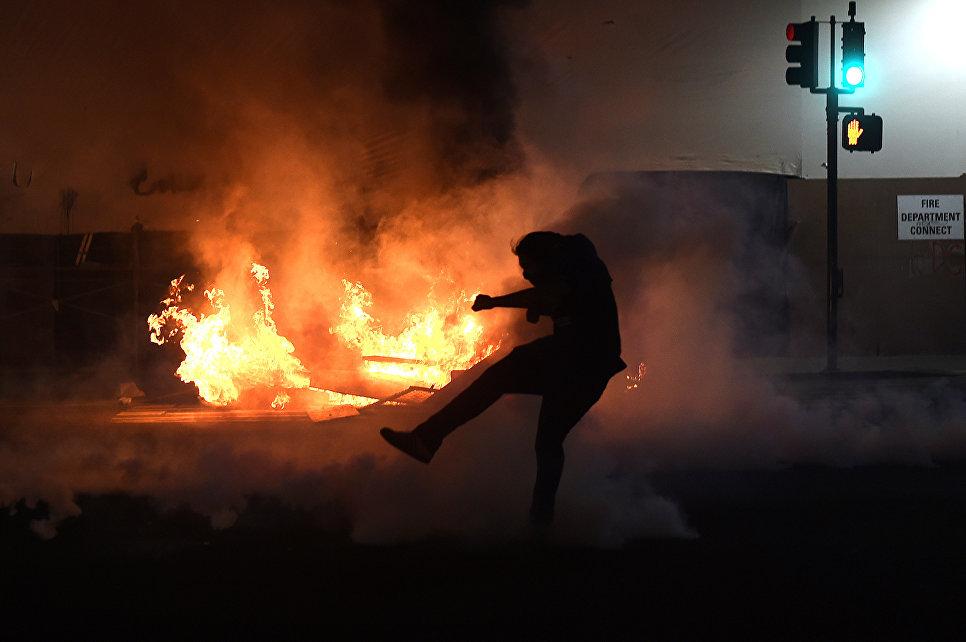 Протесты в Окленде после президентских выборов