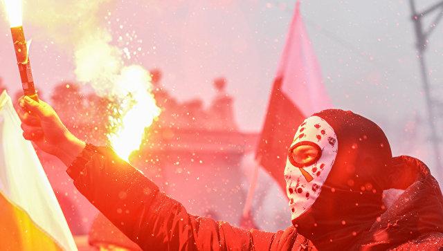 Польша расследует сожжение украинского государственного флага