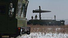 Тренировка ракетных и артиллерийских подразделений пятой армии ВВО. Архивное фото