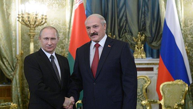 Президент России Владимир Путин и президент Белоруссии Александр Лукашенко. Архивное фото