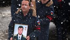 Военнослужащие ВВС России во время похорон летчика Олега Пешкова, погибшего в Сирии