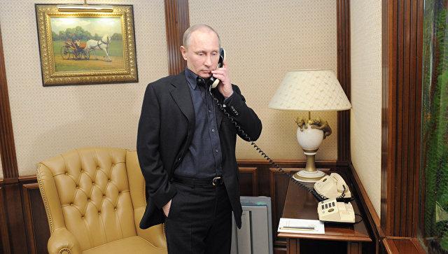 Путин провел телефонный разговор с Трампом