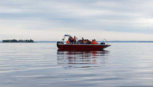 Четверо рыбаков утонули под Невьянском, перевернувшись налодке под волной