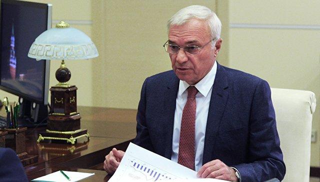 Владимир Путин встретился спредседателем совета начальников ММК Виктором Рашниковым