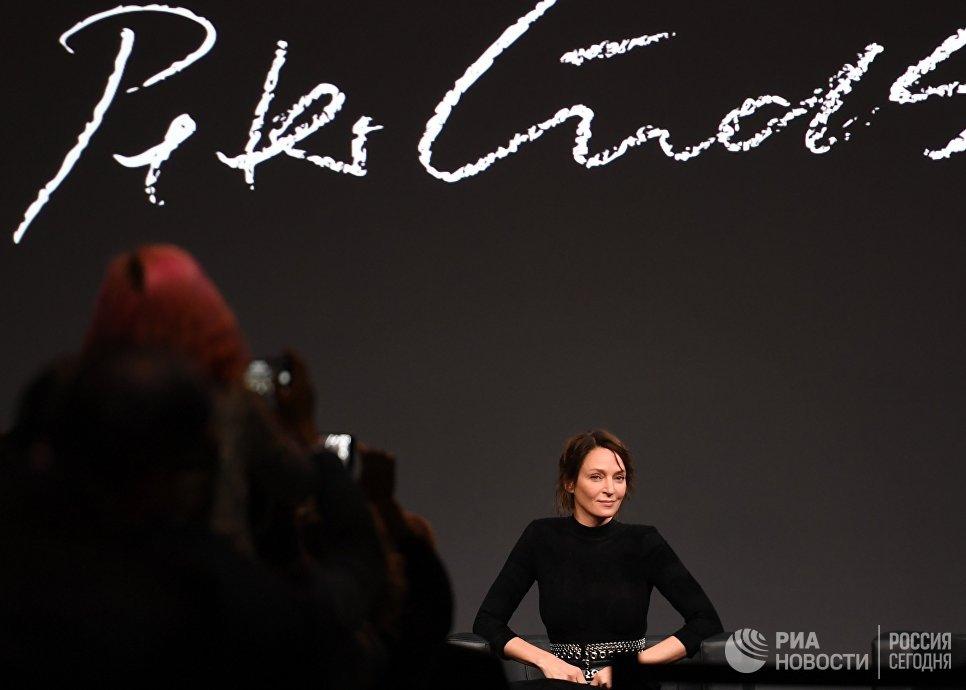 Американская актриса Ума Турман на презентации календаря Pirelli 2017