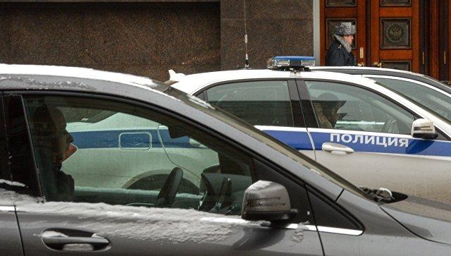 В Москве неизвестный убил мужчину и открыл стрельбу по полицейским