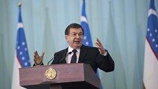 Премьер-министр и временно исполняющий обязанности президента Узбекистана Шавкат Мирзиеев. Архивное фото
