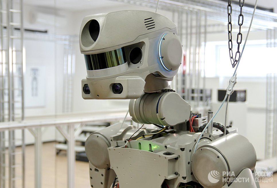 Испытание антропоморфного робота Федор проекта Спасатель в лаборатории на базе НПО Андроидная техника в Магнитогорске