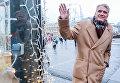 """Дольф Лундгрен во время посещения фестиваля """"Путешествие в Рождество"""" в Москве"""