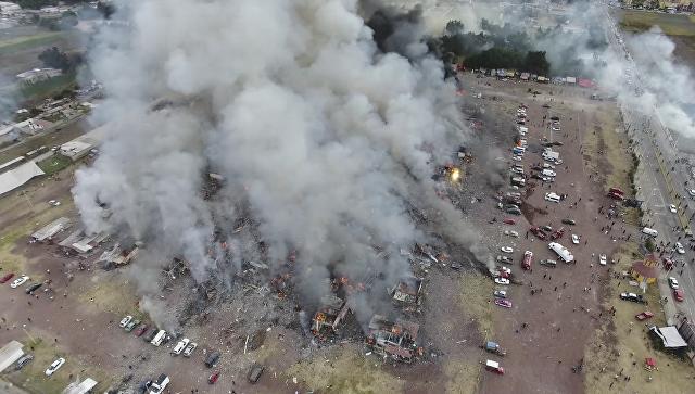 Последствия взрыва на рынке пиротехники в Мексике. 20 декабря 2016