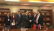 Московская биржа подписала меморандумы о взаимопонимании с ведущими китайскими брокерскими компаниями CITIC Securities и Galaxy Securities.