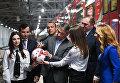 Генеральный директор оргкомитета Россия-2018 Алексей Сорокин, Денис Глушаков и Дмитрий Пегов на торжественной презентации нового состава поезда, посвящённого Кубку конфедераций FIFA 2017