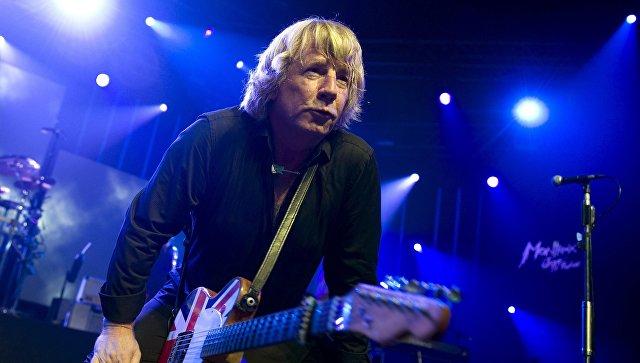 Гитарист группы Status Quo Рик Парфитт скончался на69-м году жизни