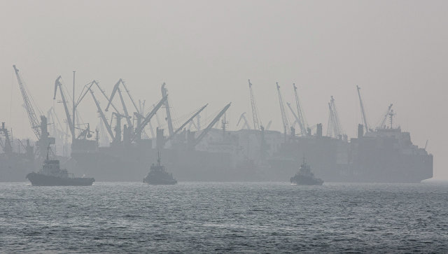 Руководство обсудит упрощение визового режима впорту Владивостока