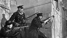 Морские пехотинцы ведут бой на улицах Феодосии