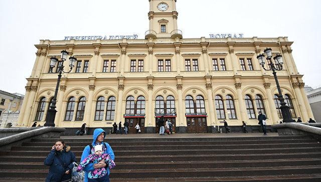 СК выясняет причины схода двух вагонов на Ленинградском вокзале в Москве