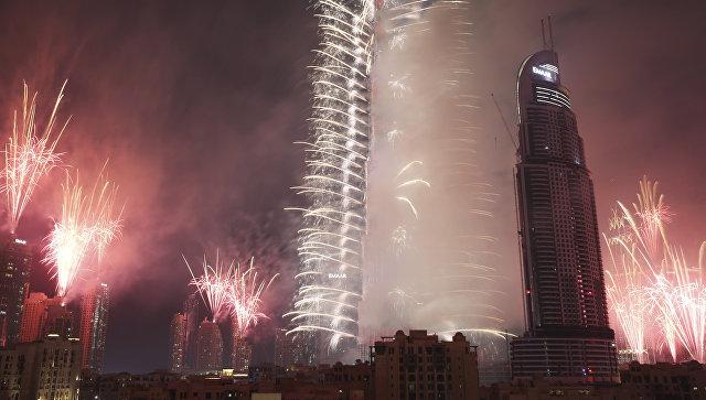 Фейерверк в Бурдж-Халифа во время встречи Нового 2017 года в Дубае. Архивное фото
