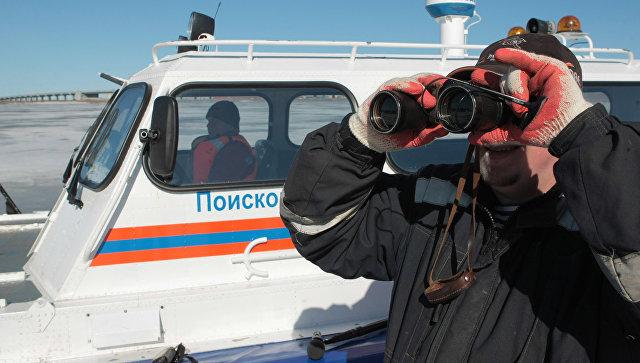 ВСаратовской области под воду ушла самодельная машина срыбаками