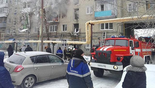 Спасатели на месте взрыва бытового газа в Саратове. 11 января 2017