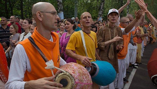 В северной столице суд оправдал преподавателя йоги поделу онезаконном миссионерстве