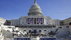 Здание Конгресса США на Капитолийском холме в Вашингтоне во время подготовки к инаугурации Дональда Трампа