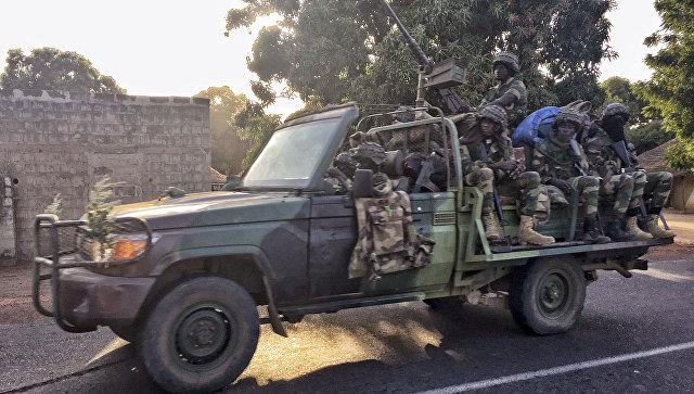 Военное вторжение вГамбию временно остановлено