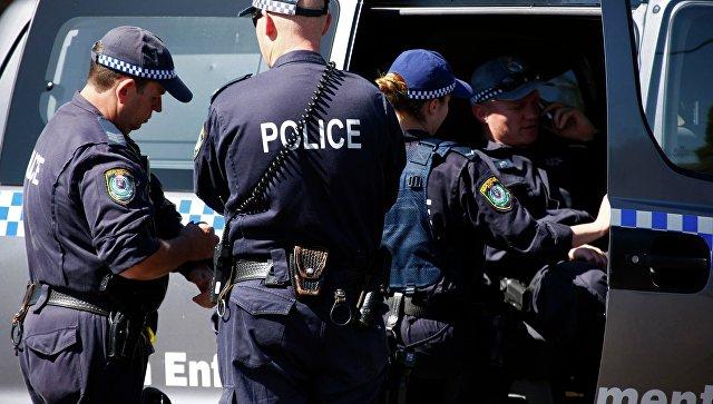 Автомобиль ехал потротуару, сбивая людей— Мельбурн