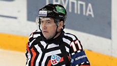 Арбитр Континентальной хоккейной лиги Рафаэль Кадыров. Архивное фото